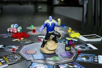 USAopoly Marvel - Thanos Rising Avengers Infinity War